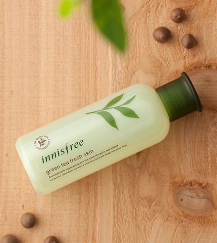 innisfree green tea fresh skin-1